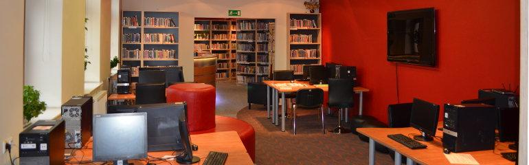 Sala komputerowa czytelni multimedialnej